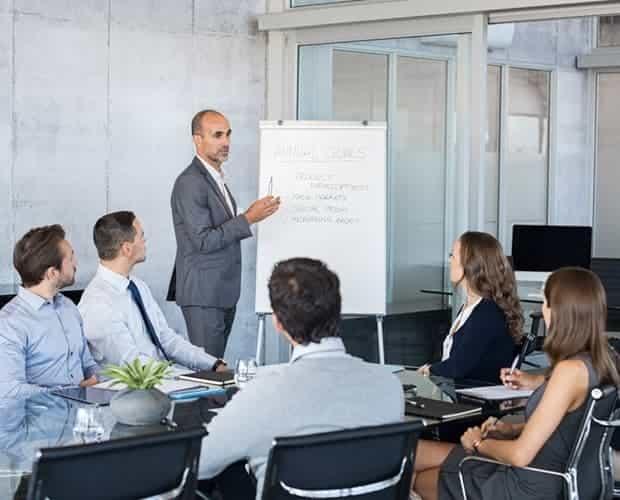 الدورات القيادية والإدارية